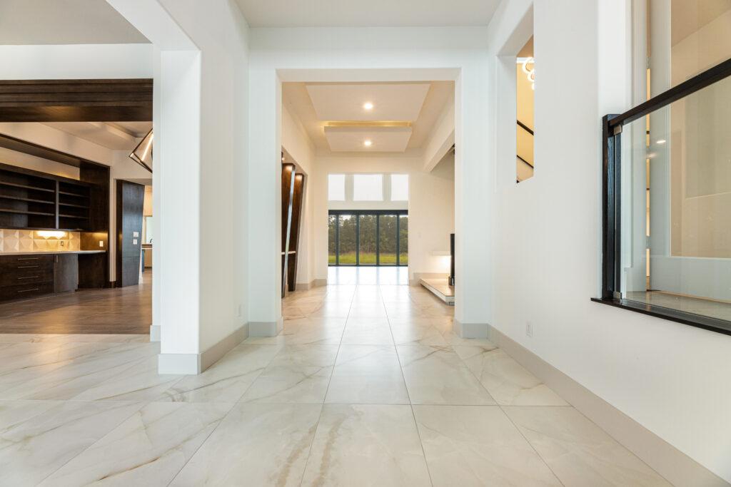 49 Kings Lake Estates - Foyer