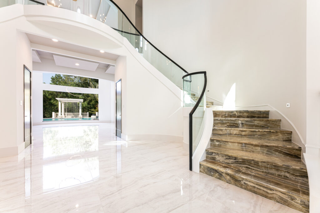 35 Hallbrook Way - Foyer